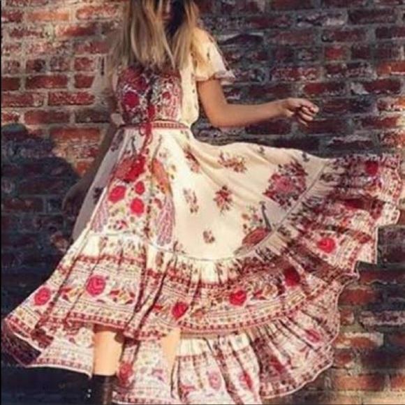 Dresses & Skirts - Summery Dress